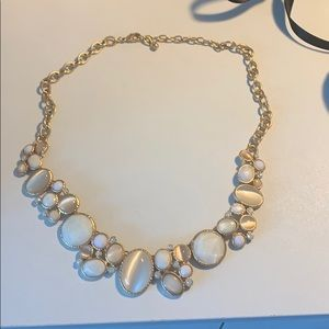 Jewelry - White and pearl necklace
